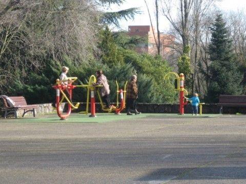 Equipamientos deportivos para mayores en los parques